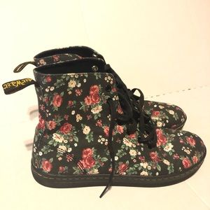 Dr. Martens Women's Size 9 Floral Air Wair Boot